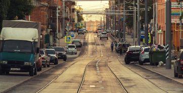 На фотографии - реконструированный участок Станиславского, по которому, как планируется, уже 1 июля поедут трамваи