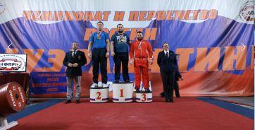 Дончанин Максим Безносов на втором месте (слева)