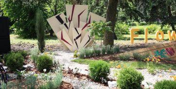 На этом месте в Ботаническом саду был строительный мусор, а теперь - мини-сады.