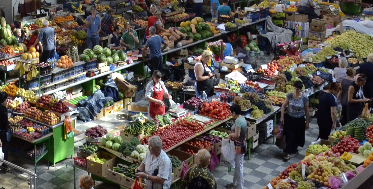 В областях «тюменской матрешки» посчитали оборот розничной торговли