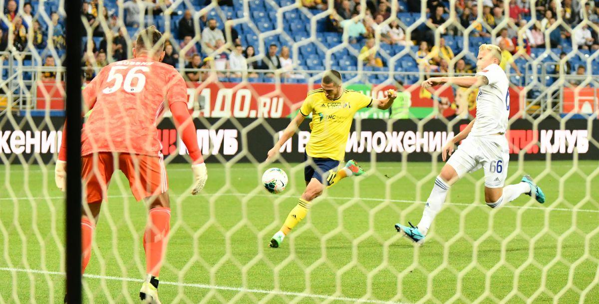 """Уже на шестой минуте Ионов заставил вратаря """"Оренбурга"""" вступить в игру"""