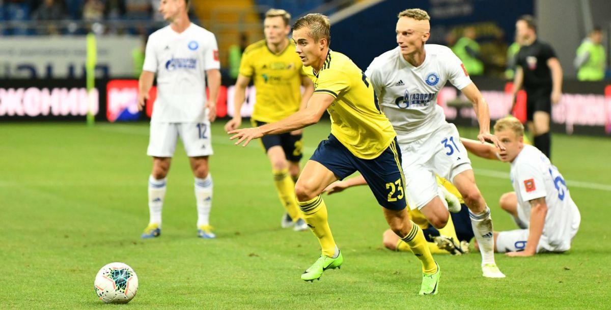 Вышедший на замену Александр Зуев стремится в атаку