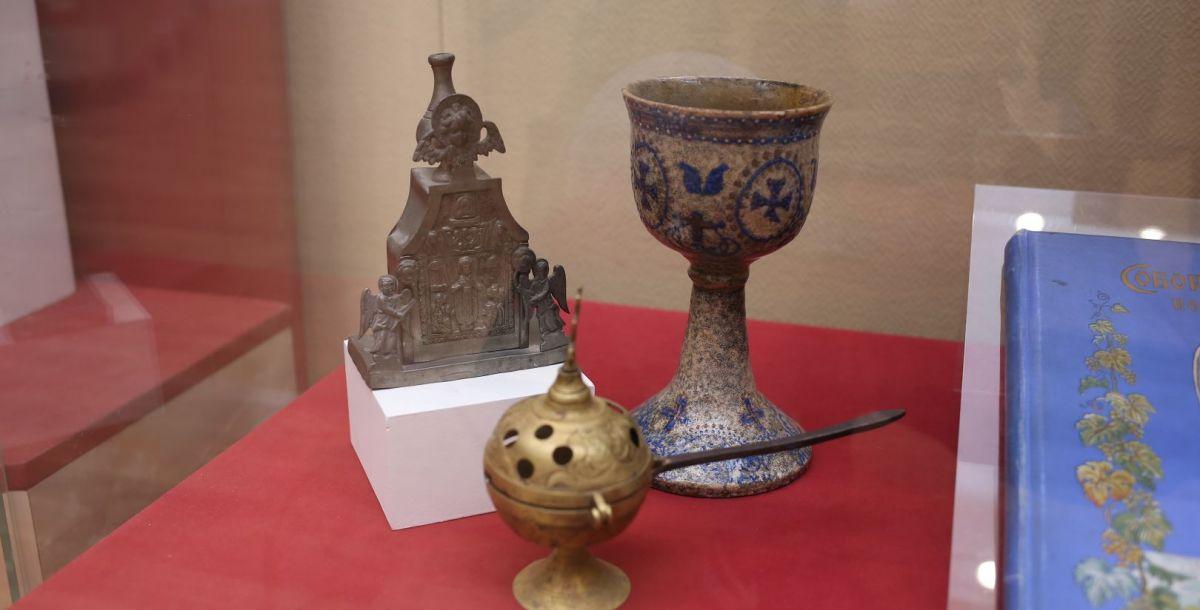 Глиняный потир – сосуд для причастия. Конец 17 века.