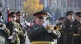 Завершил парад, посвященный Дню полиции, военный оркестр.