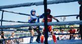 Боксёр демонстрирует хук ( главный боковой удар в боксе, который стоит использовать только в ближнем или среднем бою) справа.