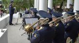 Военный духовой оркестр исполнил мелодии до- и послевоенных лет, в том числе и популярный в 30-е и 40-е годы пасодобль (испанский танец, имитирующий корриду. — Прим. /=РО=/.), который дал название арт-проекту, — «Рио-Рита».