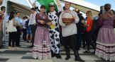 А Джозе, фермер из Брюсселя, был в костюме коровы, потому что корова – это национальный символ их страны.