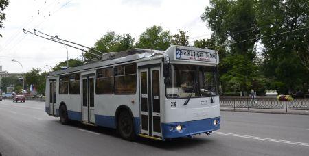 Один из старых ростовских троллейбусов.